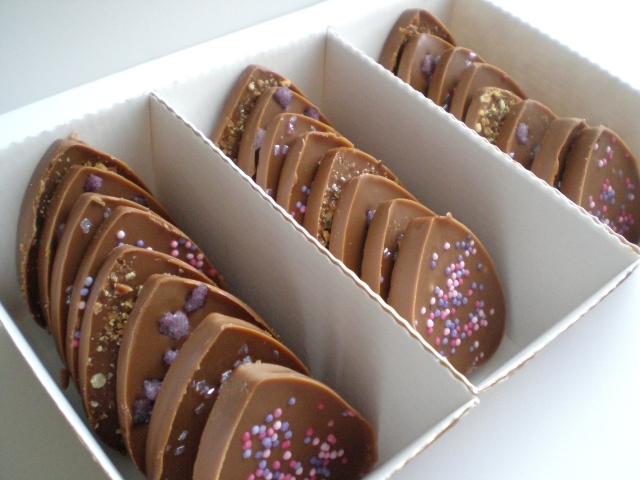 https://jeaninemoi.wordpress.com/2013/02/08/diy-gourmand-%E2%99%A5-les-petits-chocolats-de-la-saint-valentin/